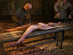 BDSM Art Pictures -  Dark dungeons, crucifixion, electro interrogation... come to QUOOM dark World