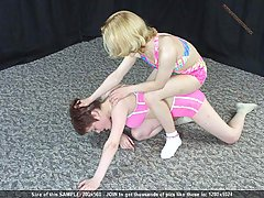 Wrestling Pictures -  Girls in bikini get beaten up