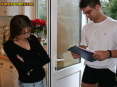 CFNM Pictures -  Girls are more interested in the courier's trouser package than his delivery