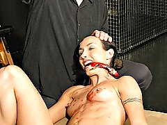 Amateurs Pictures -  Pretty Wenona is uncomfortably bound before suffering the touch of the whip